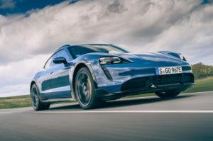Обзор Porsche Taycan Cross Turismo 2021 UK
