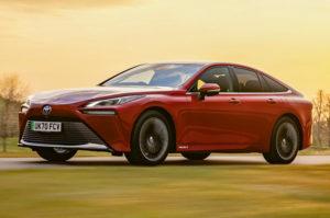 Обзор Toyota Mirai Design Premium 2021 в Великобритании